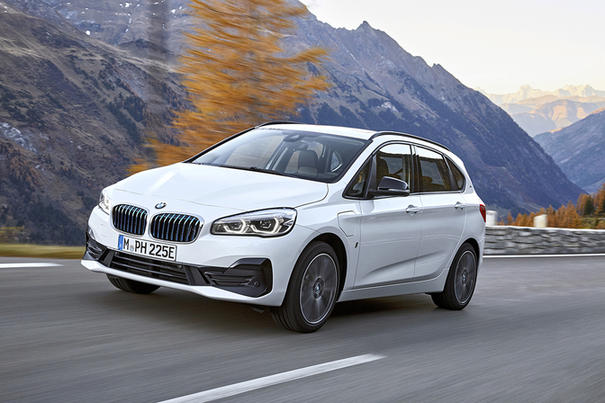 bmw-225xe-ip-facelift-2018