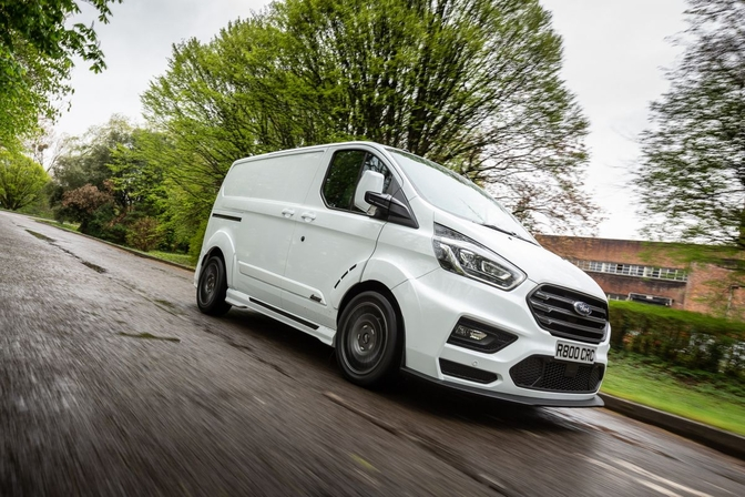 ford-ms-rt-transit-custom-m-sport-2018_