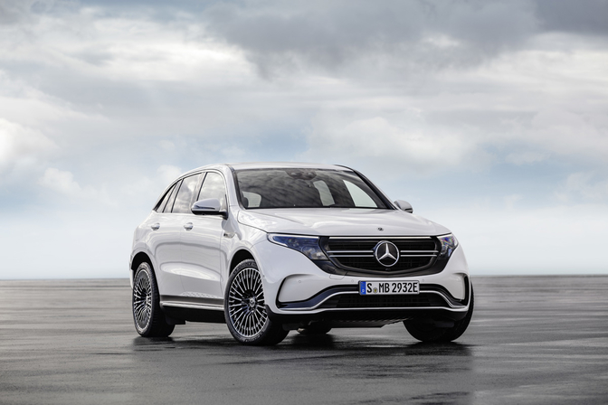 mercedes-eqc-2018-electric-mercedes-crossover-official