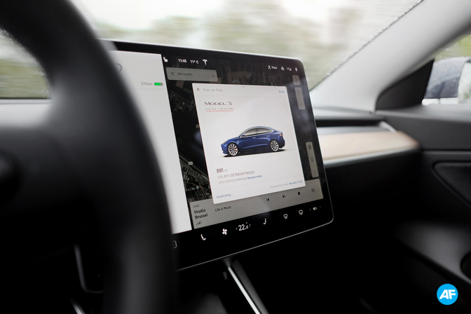Tesla Model 3 Rijtest 2019