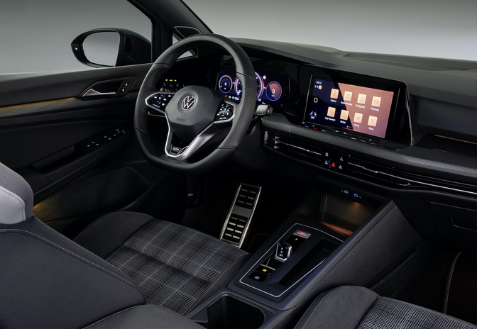 Volkswagen Golf dashboard touchscreen