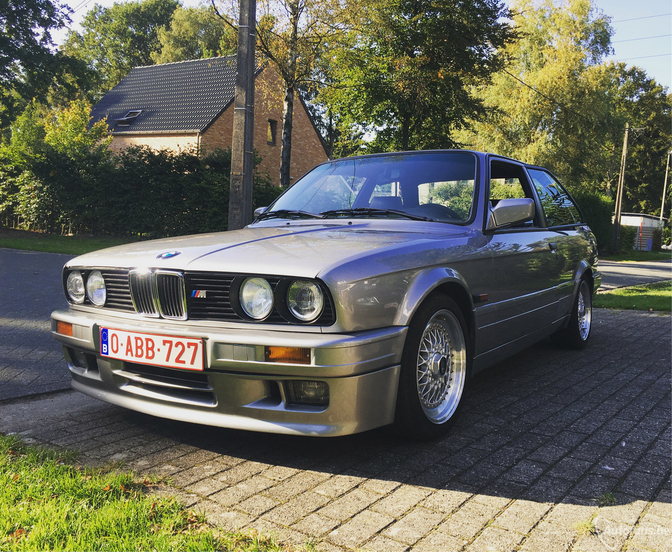 bmw-320is-e30