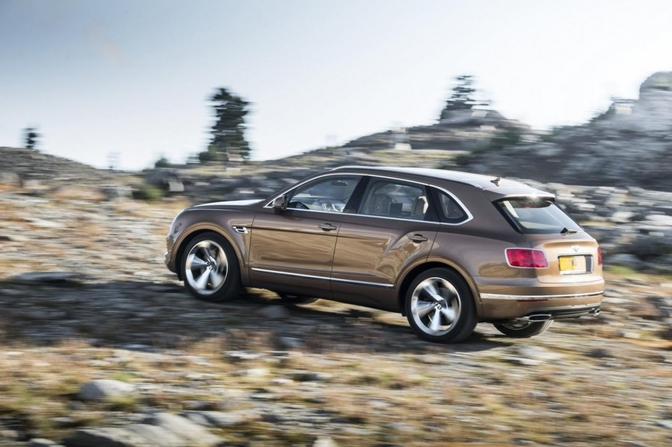 bentley-bentayga-2015