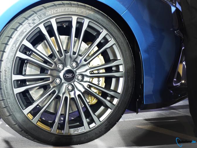 Ford Focus Rs Velgen Tnw49 Tlyp