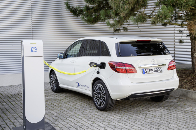 Rijtest Mercedes B Klasse Electric Drive 2015 Autofans