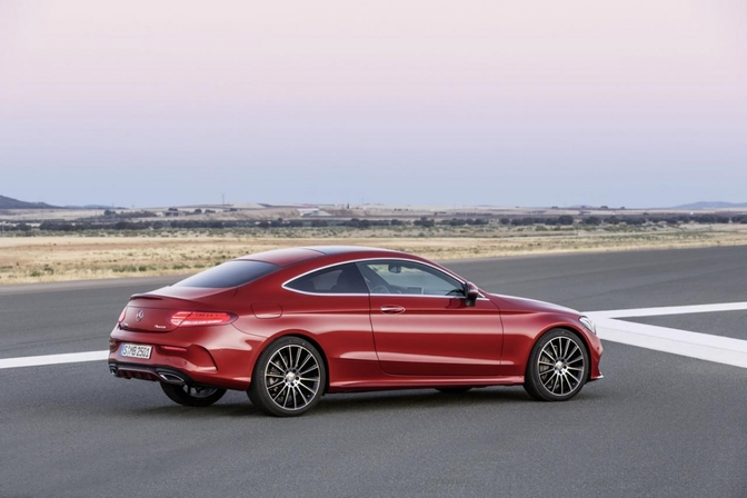 mercedes-c-klasse-coupe-2015_01