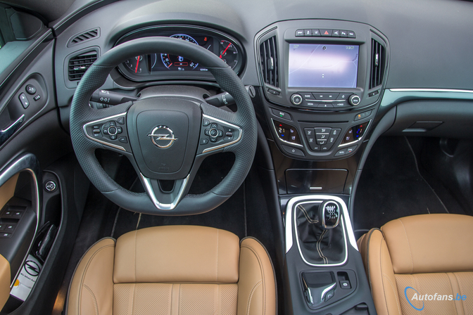 Rijtest-Opel-Insignia-Country-Tourer-Turbo-2014