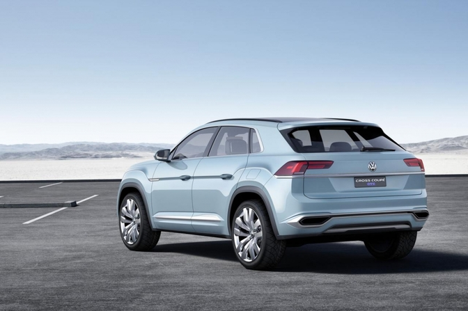 volkswagen-cross-coupe-gte-concept_01