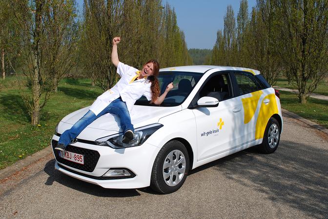 Hyundai En Renault Wijden Nieuw Logo Wit Gele Kruis In Autofans