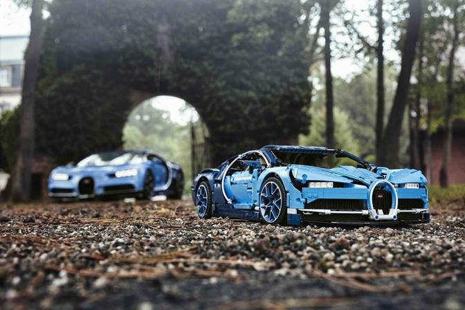 lego-bugatti-chiron-scenic-shot