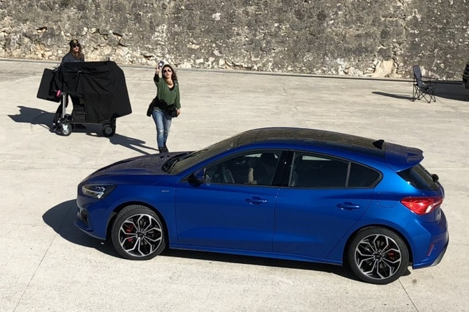 ford-focus-2018-leaked-photoshoot_2