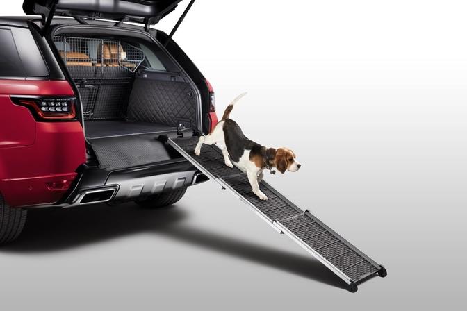 2018 land rover pet packs