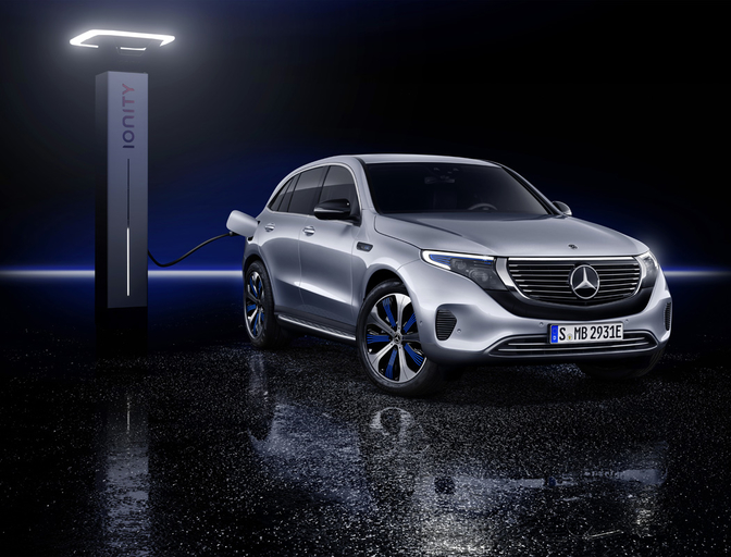 mercedes-eqc-2018-electric-mercedes-crossover-official_2