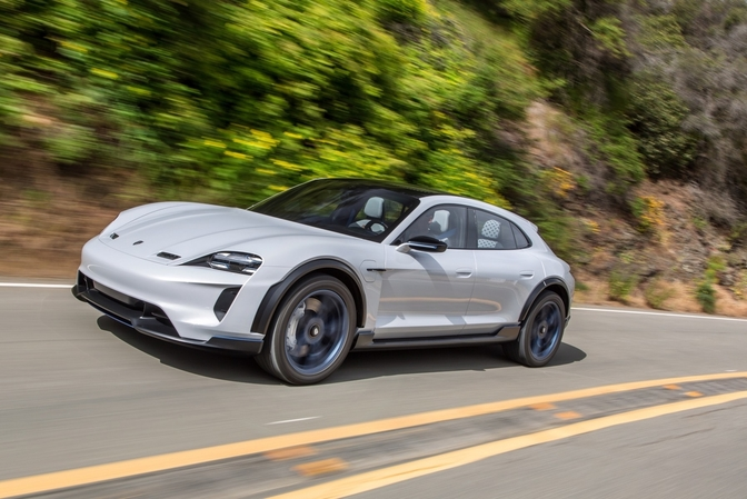2019 porsche mission e cross turismo