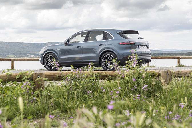 Rij Impressie Porsche Cayenne E Hybrid 2018 Autofans