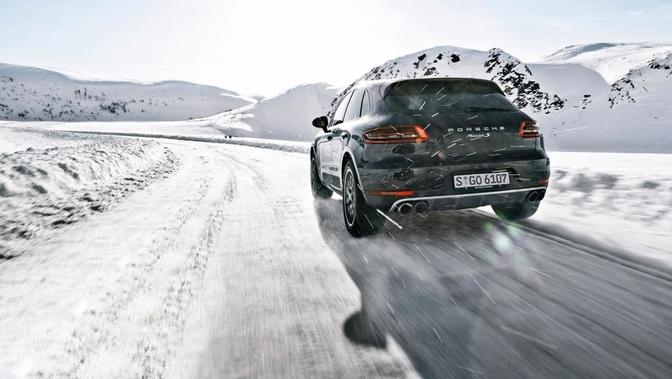 Porsche skizak recall