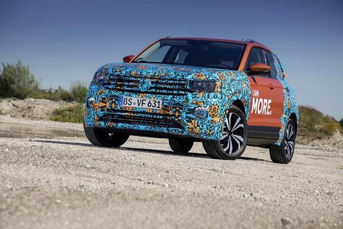 Volkswagen-t-cross-tease-2018