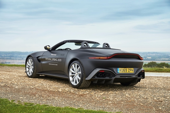 Aston Martin Vantage Roadster 2019 2020