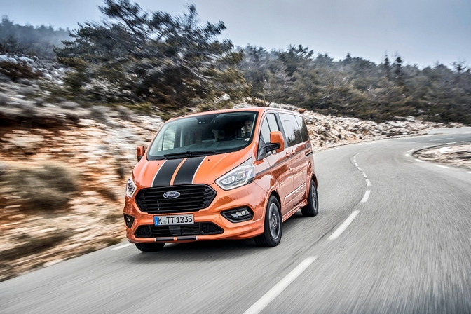 ford tourneo custom sport review