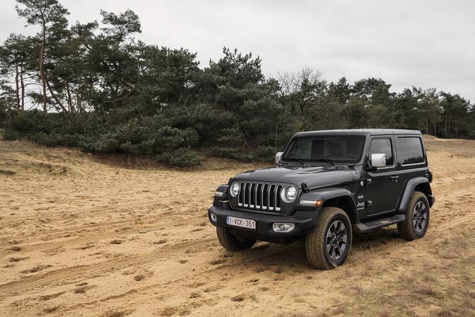 Rijtest Jeep Wrangler Sahara Overland (2019)
