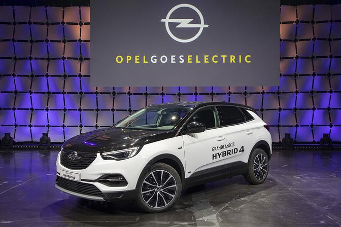 2019-opel-goes-electric-grandland-x-hybrid4-507081