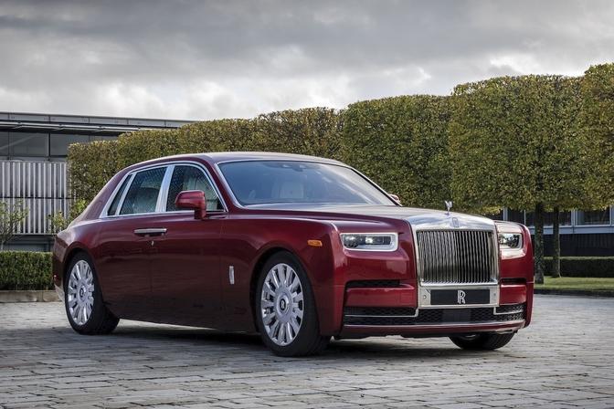 Rolls-Royce Red Phantom (2019)