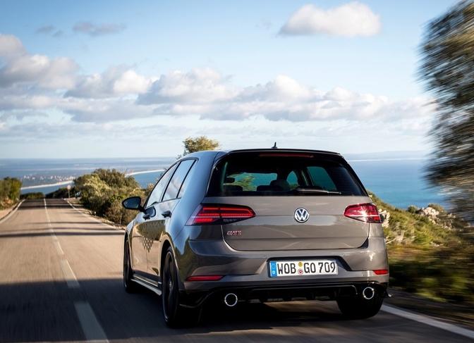 Rijtest Volkswagen Golf GTI TCR 2019