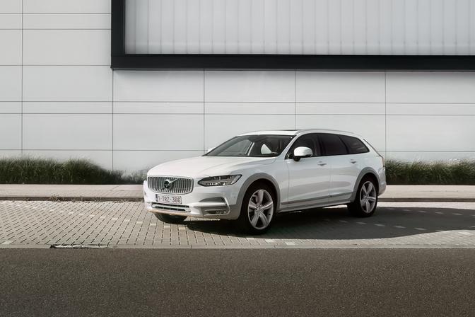 Rijtest Volvo V90 Cross Country 2019