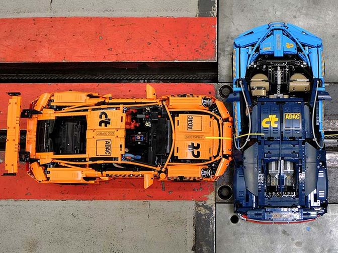 ADAC Lego crash Porsche Bugatti