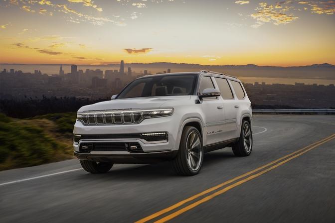 Jeep Grand Wagoneer Concept SUV hybride 2020