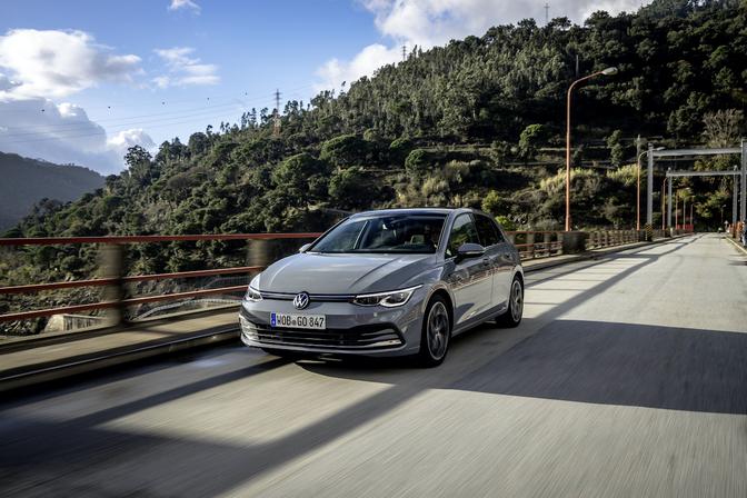 Volkswagen Golf 8 1.5 eTSI rijtest Autofans 2020 hybride