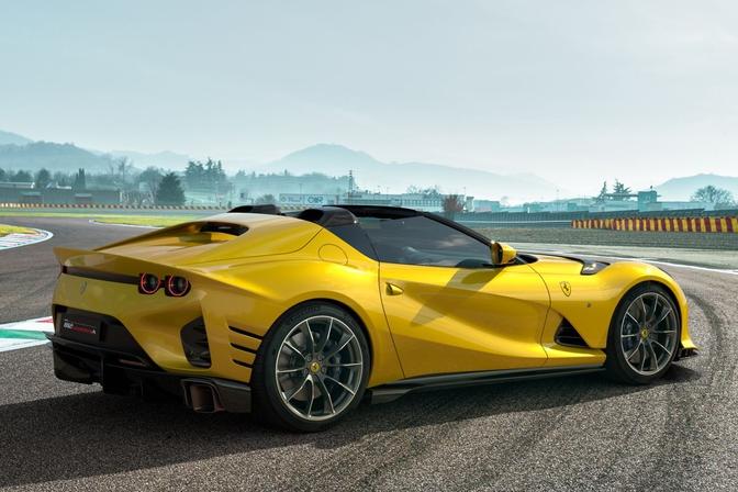 Ferrari 812 Competizione & Competizione A 2021