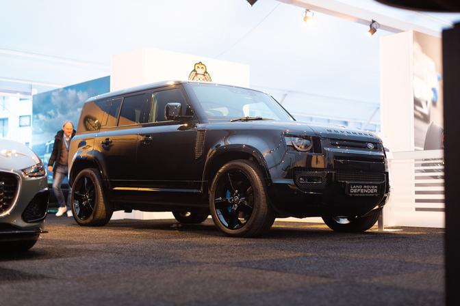 Land Rover Defender V8 Bond Edition Zoute GP
