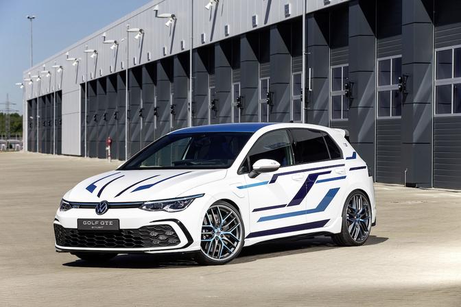 Volkswagen Golf GTE Skylight Concept 2021