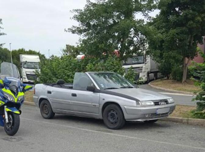 Citroën Xantia cabriolet Franse gendarmerie