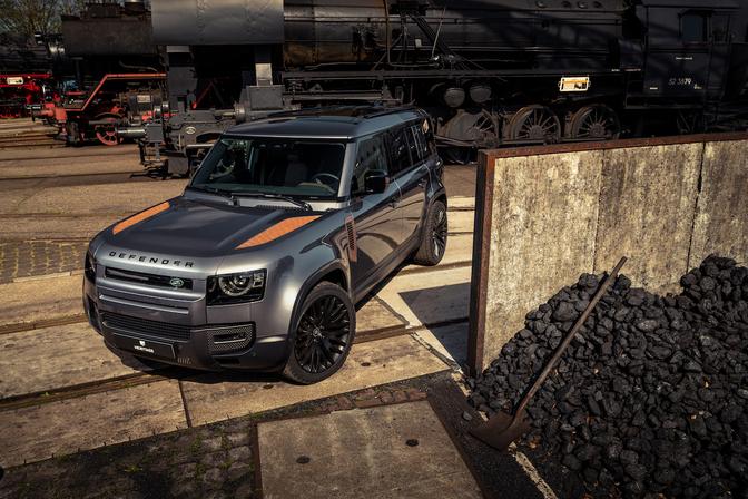 Land Rover Defender roest Niels van Roij