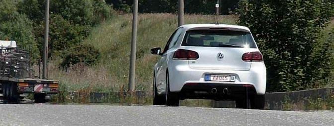 Volkswagen Golf R (2010)