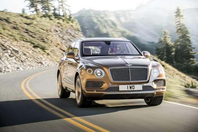 bentley-bentayga-2015_01