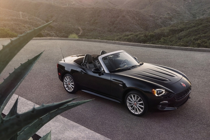 fiat-124-spider-2015-official_8