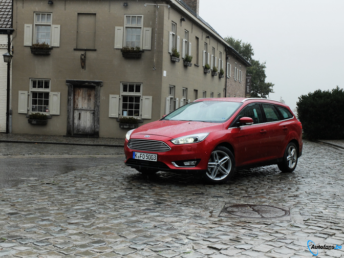 Rijtest-Ford-Focus-Facelift-2014