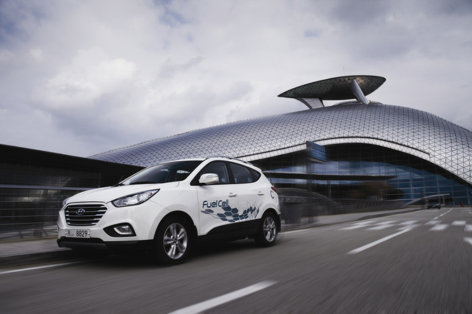 hyundai-ix35-fuel-cell-_14_