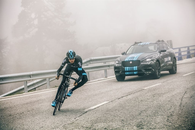 jag_f-pace_tourdefrance_team_sky_2