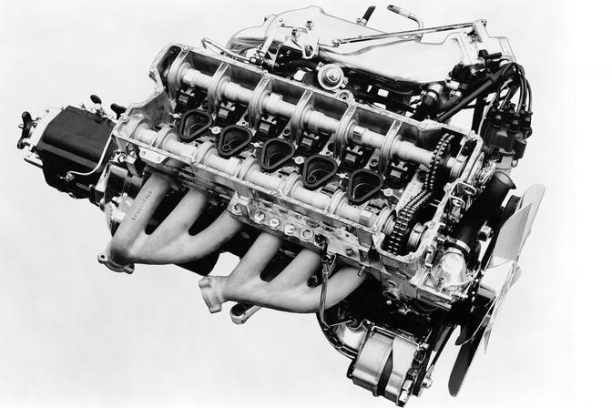 Mercedes-zes-in-lijn