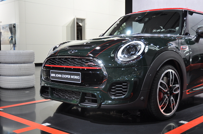 mini-cooper-jcw-autosalon-brussel_06