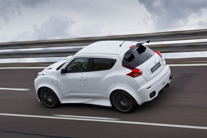 Nissan Juke-R productie wit