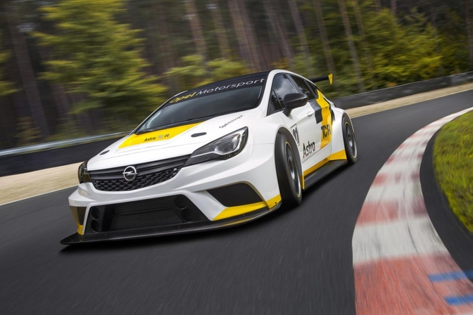 opel-astra-tcr_01