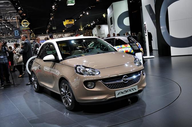 Opel Adam is prijzenpakker: vanaf 11.650 euro