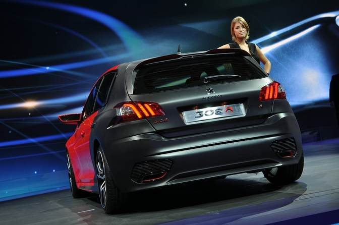 Peugeot-op-het-Autosalon-Brussel-2014