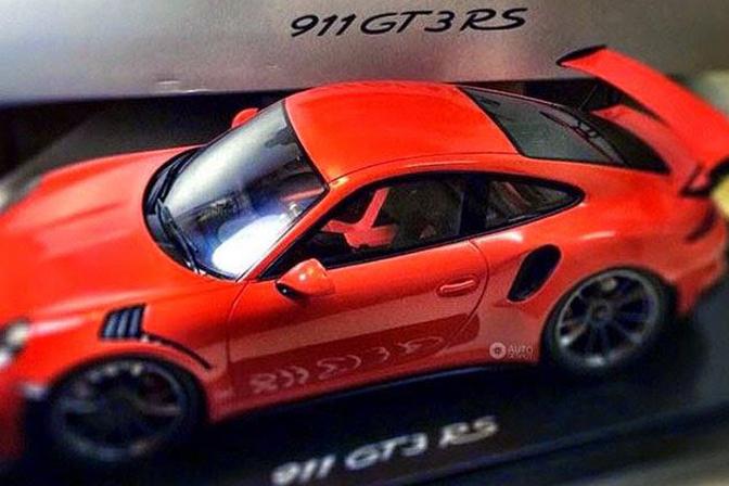 porsche-911-gt3-rs-model_01