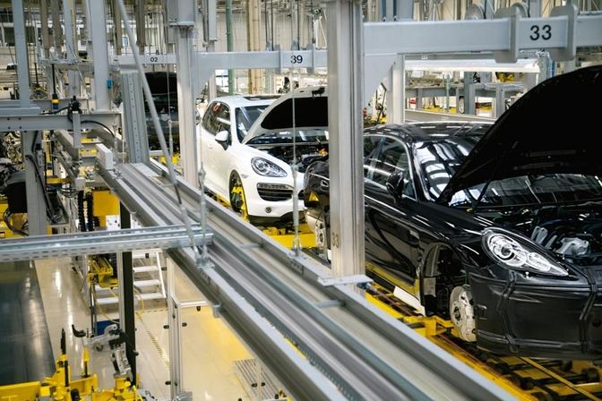 Porsche stopt productie Cayenne en Panamera tijdelijk